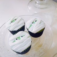 Receta de cupcakes con forma de momia para Halloween