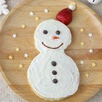 Tortita o crepe de Navidad con forma de muñeco de nieve