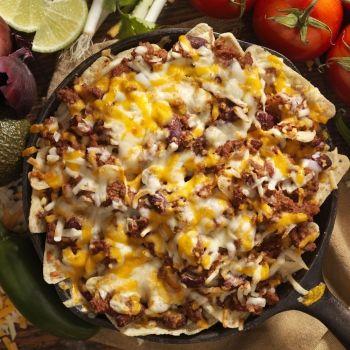 Totopos o nachos a la boloñesa