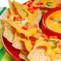 Nachos o totopos con queso. Receta mexicana