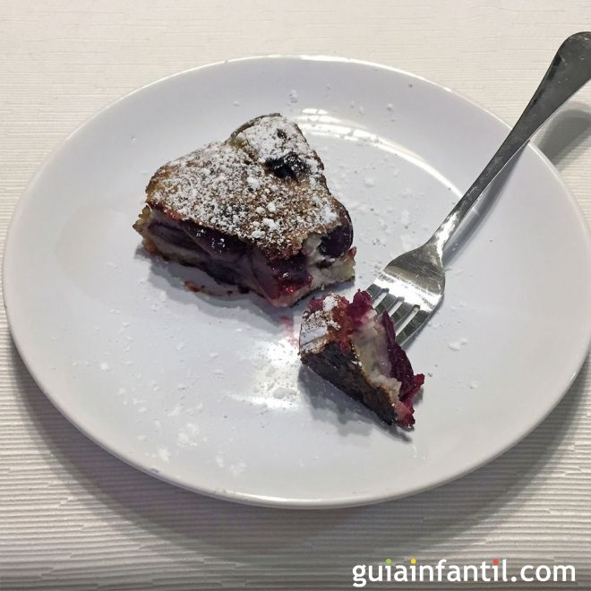 Clafoutis o tarta de cerezas sin horno. Recetas fáciles para toda la familia