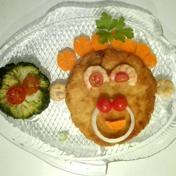 Hamburguesas de merluza, salmón y gambas. Recetas divertidas para niños