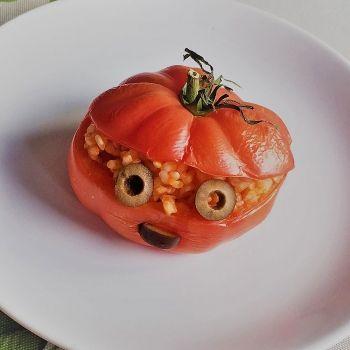 Cómo hacer calabazas de Halloween con tomates asados. Recetas de trampantojo