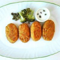Croquetas de verduras con salsa de queso. Recetas de verdura para niños.