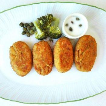 Croquetas de verduras con salsa de queso