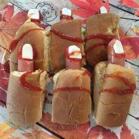 Hot dogs con dedos sangrientos. Recetas rápidas para una fiesta de Halloween