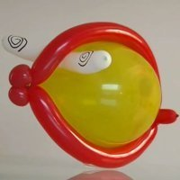 Jugar con globos a hacer un pez. Globoflexia para niños