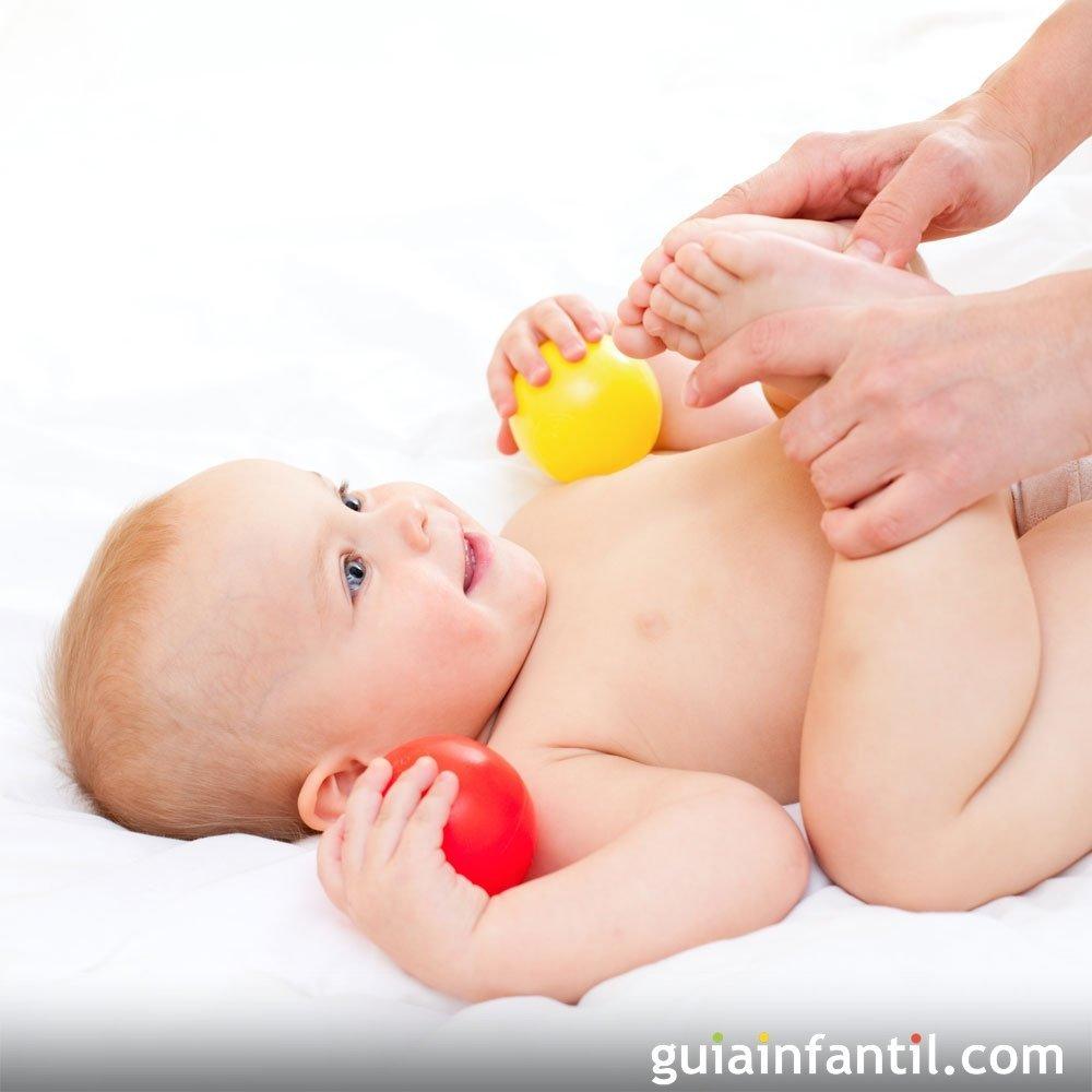 C mo hacer un masaje para aliviar los c licos del beb for Para desarrollar un parque ajardinado