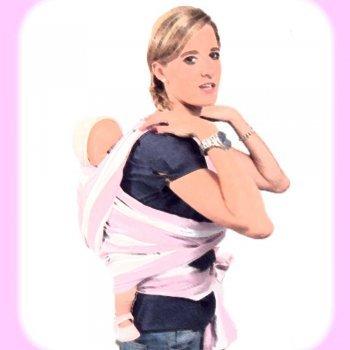 Porteo de bebé con nudo por delante