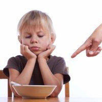 Qué hacer cuando los niños se provocan vómitos para no comer