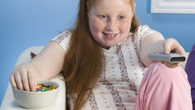 Resultado de imagen para niños obesos jugando play