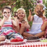 Qué hacer si uno de nuestros hijos se porta mal en la mesa