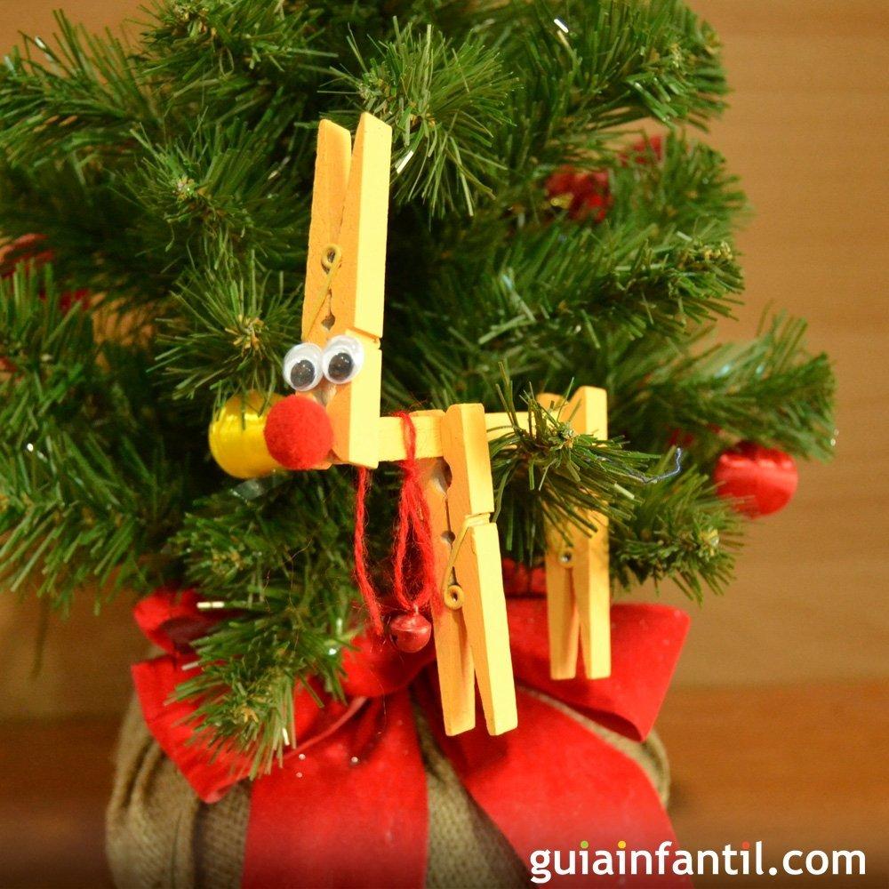 Reno con pinzas para decorar el rbol de navidad - Decorar el arbol de navidad con manualidades ...