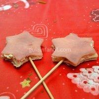 Canapé de estrella de Navidad con jamón y queso