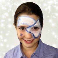 Maquillaje de estrella de Navidad para niños