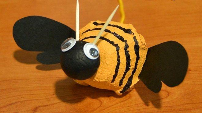 Worksheet. Cmo hacer una abeja zumbona con materiales reciclados