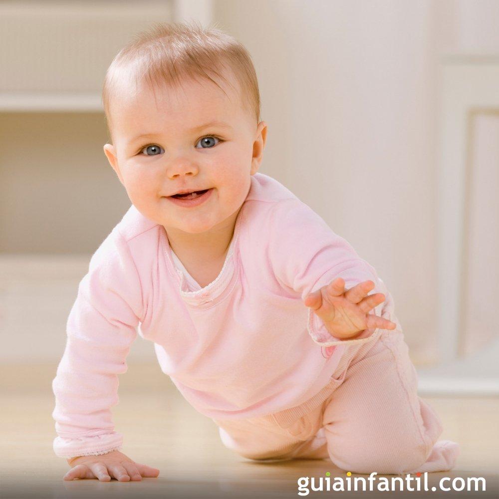 Mi bebe de 9 meses no gatea ni se para