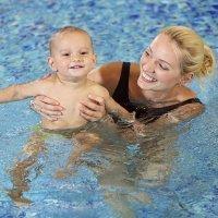 Primer contacto del bebé con el agua, ejercicios estimulación