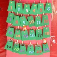 Aprende a hacer un calendario de Adviento con rollos de papel