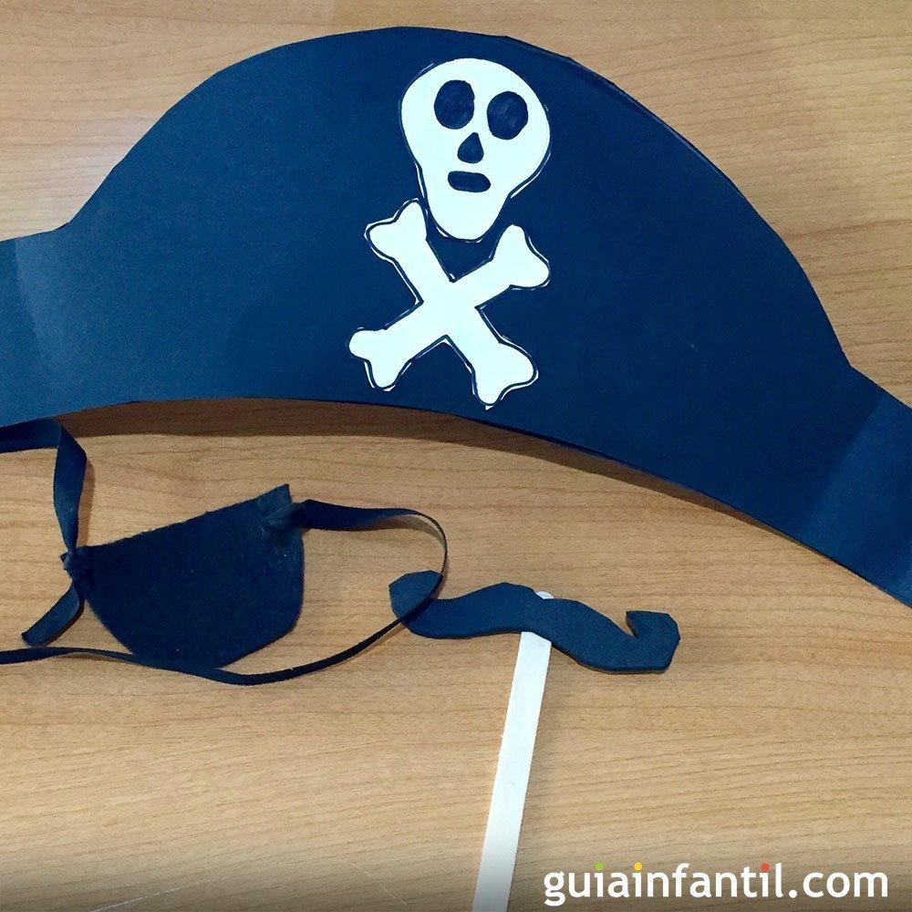 Como hacer un sombrero pirata para disfraces hacer un - Como hacer manualidades ...