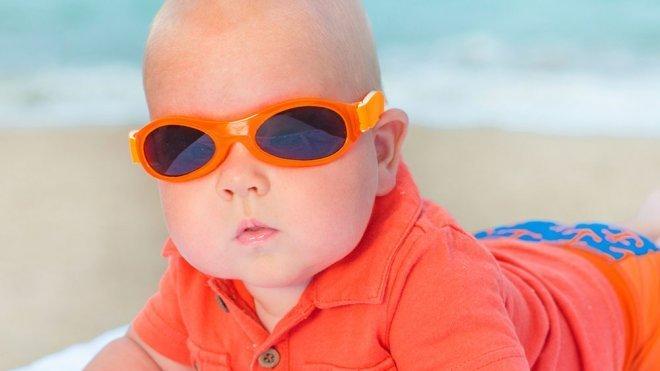 fcd8d85390 Cuándo deben usar gafas de sol los niños