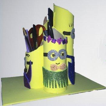 Cómo hacer un portalápices de Minions para los niños