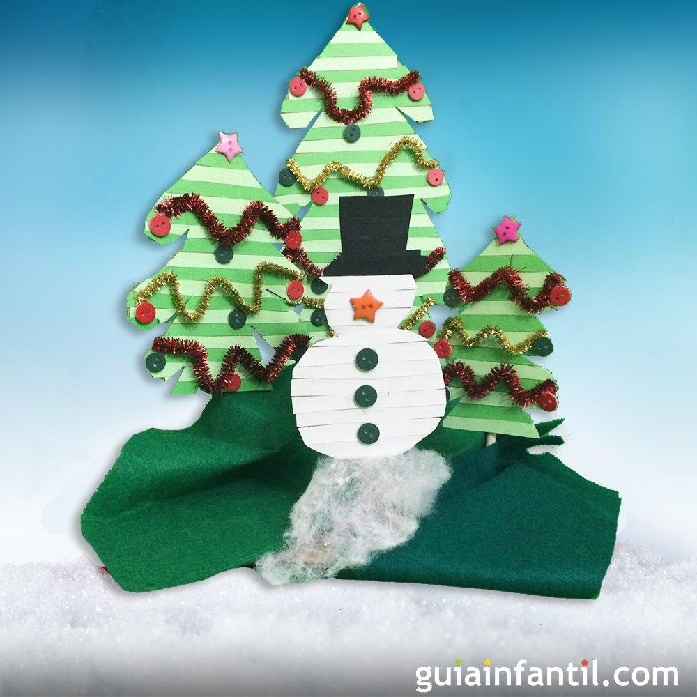 Escenario navide o con rboles de navidad y mu eco de nieve - Arboles de navidad de diferentes materiales ...
