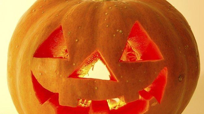 Manualidades para ni os calabaza de halloween - Como vaciar una calabaza ...