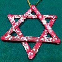 Una estrella, decoración para el árbol de Navidad, manualidades