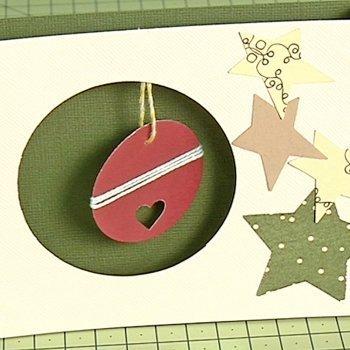 Postal con bola de Navidad en relieve