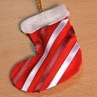 Una bota. Adornos de Navidad con fieltro. Manualidades para niños