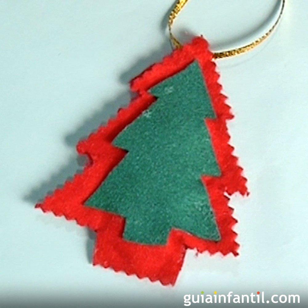 Rbol de navidad hacer adornos con fieltro manualidades for Manualidades para adornos navidenos