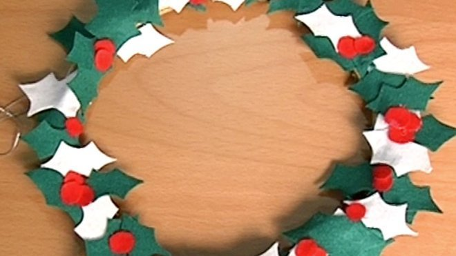 Corona De Acebo En Fieltro Manualidades En Navidad