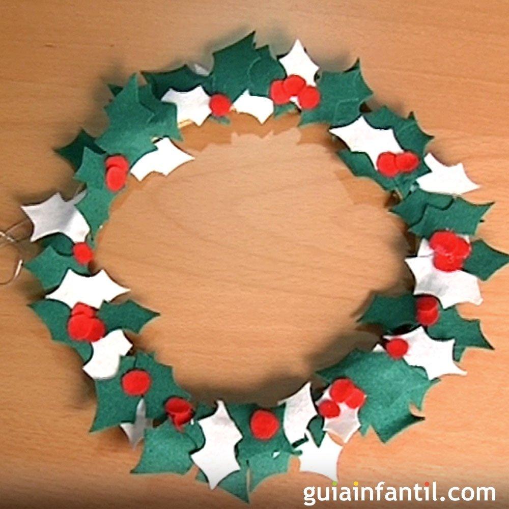 Corona de acebo en fieltro manualidades en navidad - Manualidades ninos navidad ...