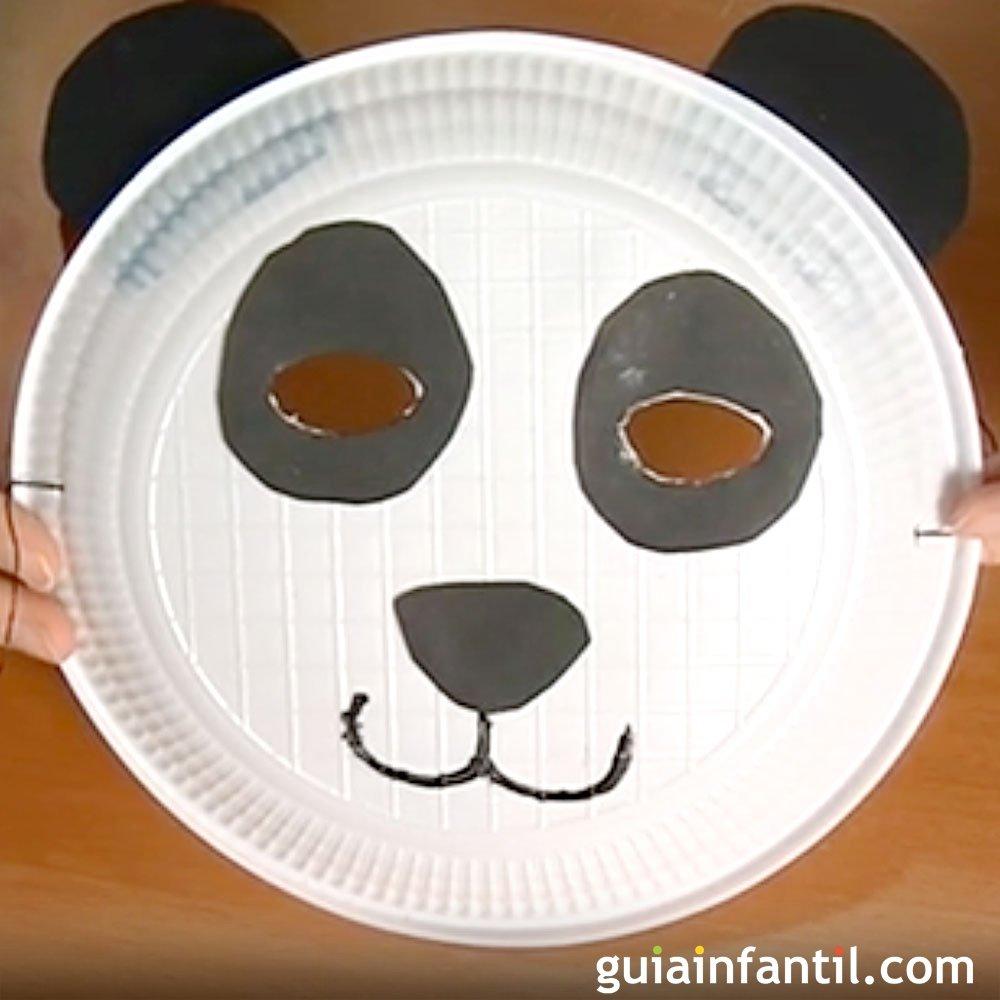 image Orgía en una fiesta con un oso panda