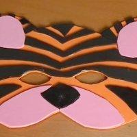 Manualidad de antifaz de tigre para disfraz de carnaval