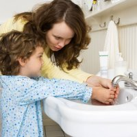Lavarse la manos evita el contagio de gérmenes