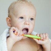 Qué hacer cuando sangran las encias de los niños