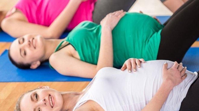 Me duele la espalda baja y estoy embarazada