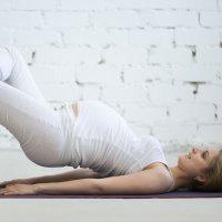 Gimnasia para el embarazo, rotación de la columna