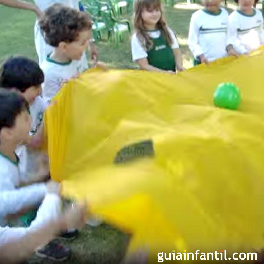 El fútbol de paracaídas, un juego infantil para fomentar el trabajo ...