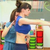 Mejorar la postura en el posparto con gimnasia hipopresiva