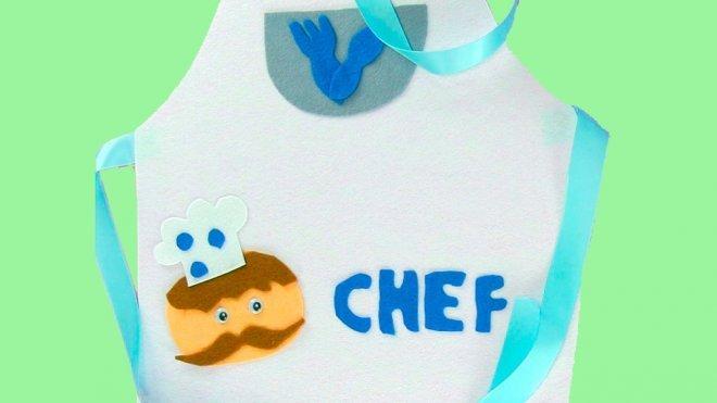 1c68289601f Cómo hacer un delantal de cocinero para un disfraz infantil