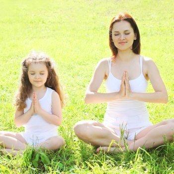Yoga con las manos. Cómo enseñar mudras a los niños