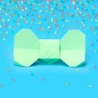Cómo hacer una pajarita de origami para un disfraz infantil