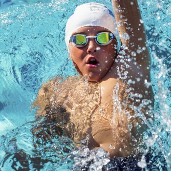 Cómo influye el deporte en la salud de la espalda de los niños