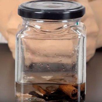 Cómo hacer perfume casero de vainilla con los niños