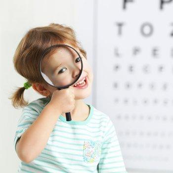 Cuáles son los principales síntomas de miopía en los niños