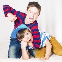 Cómo actuar ante peleas y conflictos entre hermanos