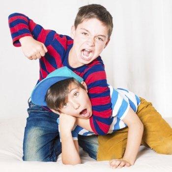 Cómo actuar ante peleas entre hermanos